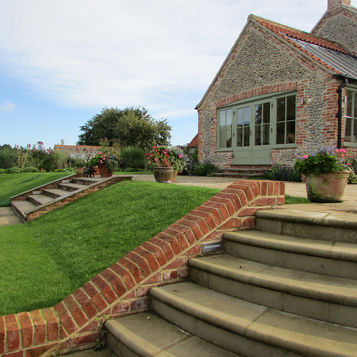Susannah mcdougall landscape and garden design norfolk for Garden design norfolk